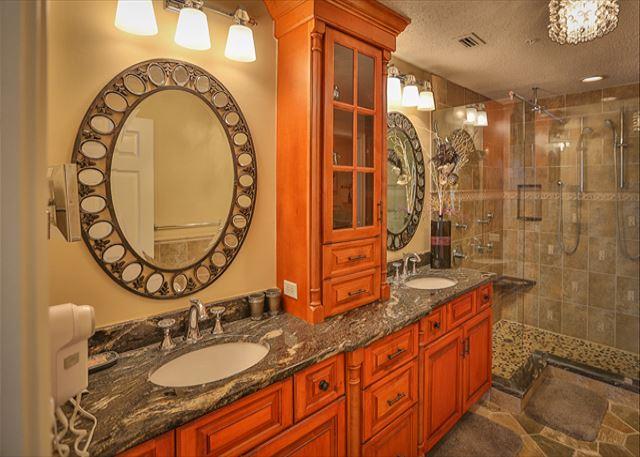 OceanFront King Bedroom Bathroom