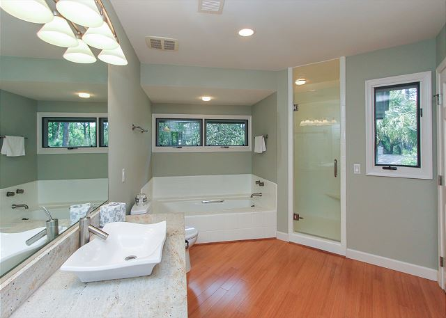 2nd Floor Master Suite Full Bathroom w/ Garden Tub & Walk In Sho