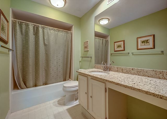 2nd Master Full Bathroom