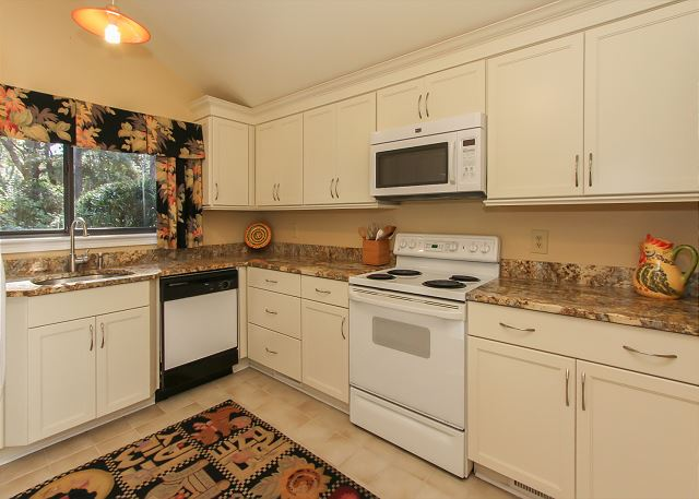 3 Scaup Court - Kitchen - HiltonHeadRentals.com
