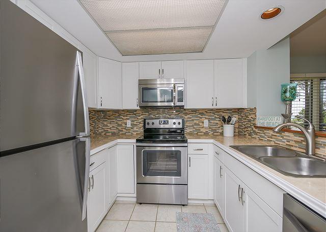 1832 Beachside Tennis - Kitchen - HiltonHeadRentals.com