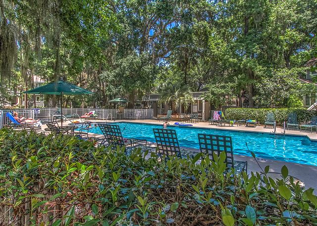 Huntington  Pool Area