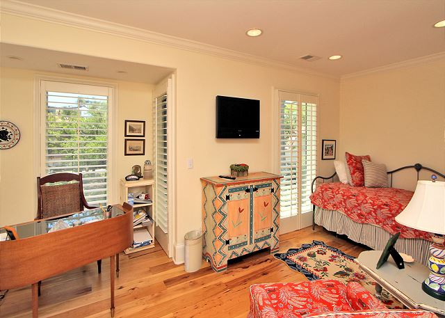 707 Schooner Court - 2nd Floor Office and Guest Bedroom - 1 Twin - HiltonHeadRentals.com