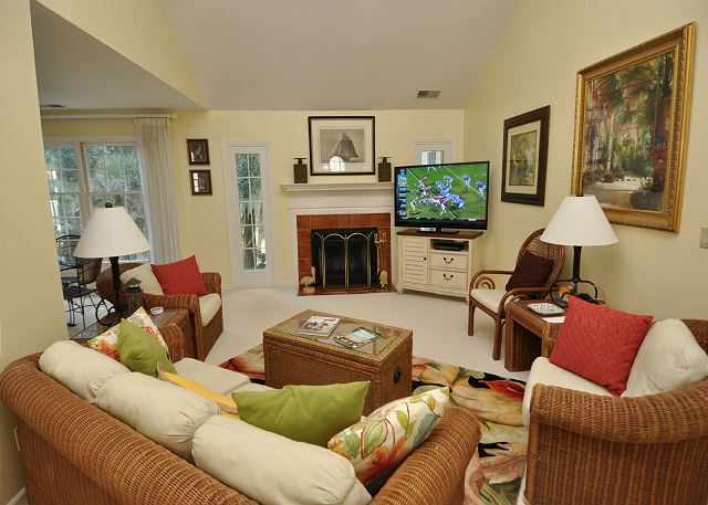 Living Area w/ Large Flat Panel TV