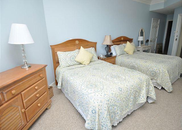 Guest Suite w/ 2 Queen Beds