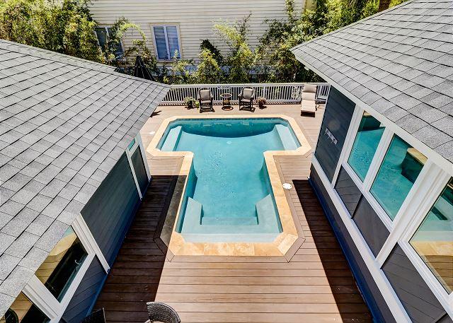 King Suite Pool View