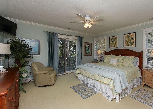 2nd Floor Master King Suite
