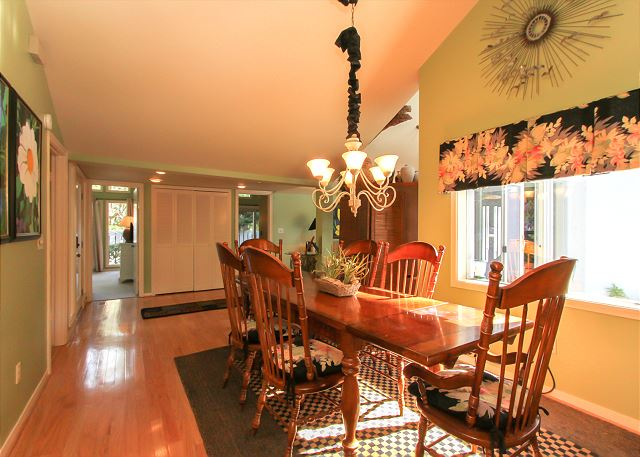 3 Scaup Court - Dining Area - HiltonHeadRentals.com