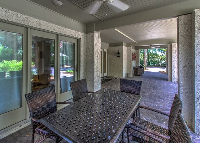 Poolside Outside Dining Area