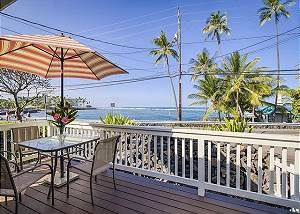 Almost Oceanfront- Steps Away from Kahaluu Beach!