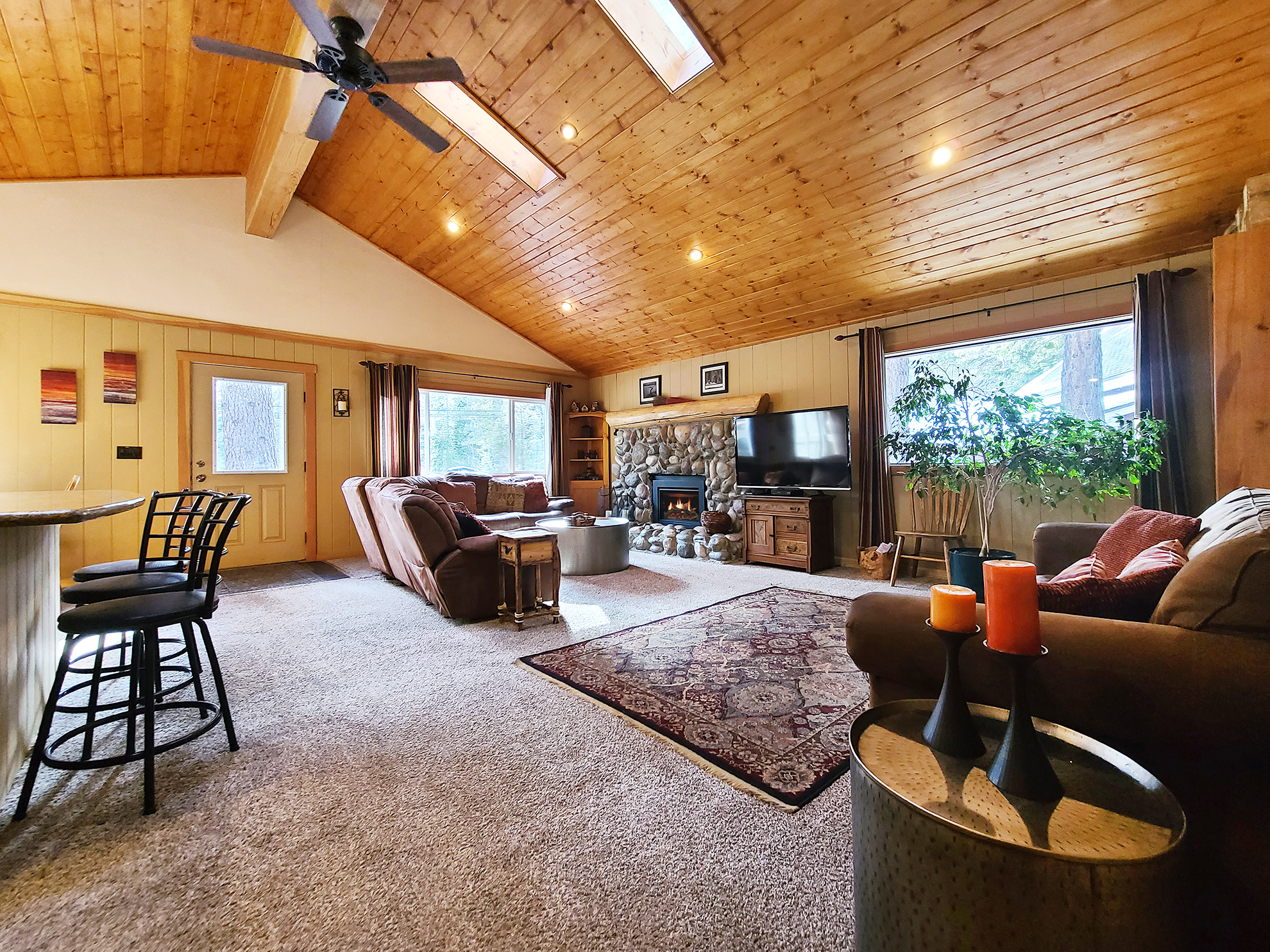 Listing Image 3 for Banovich Home