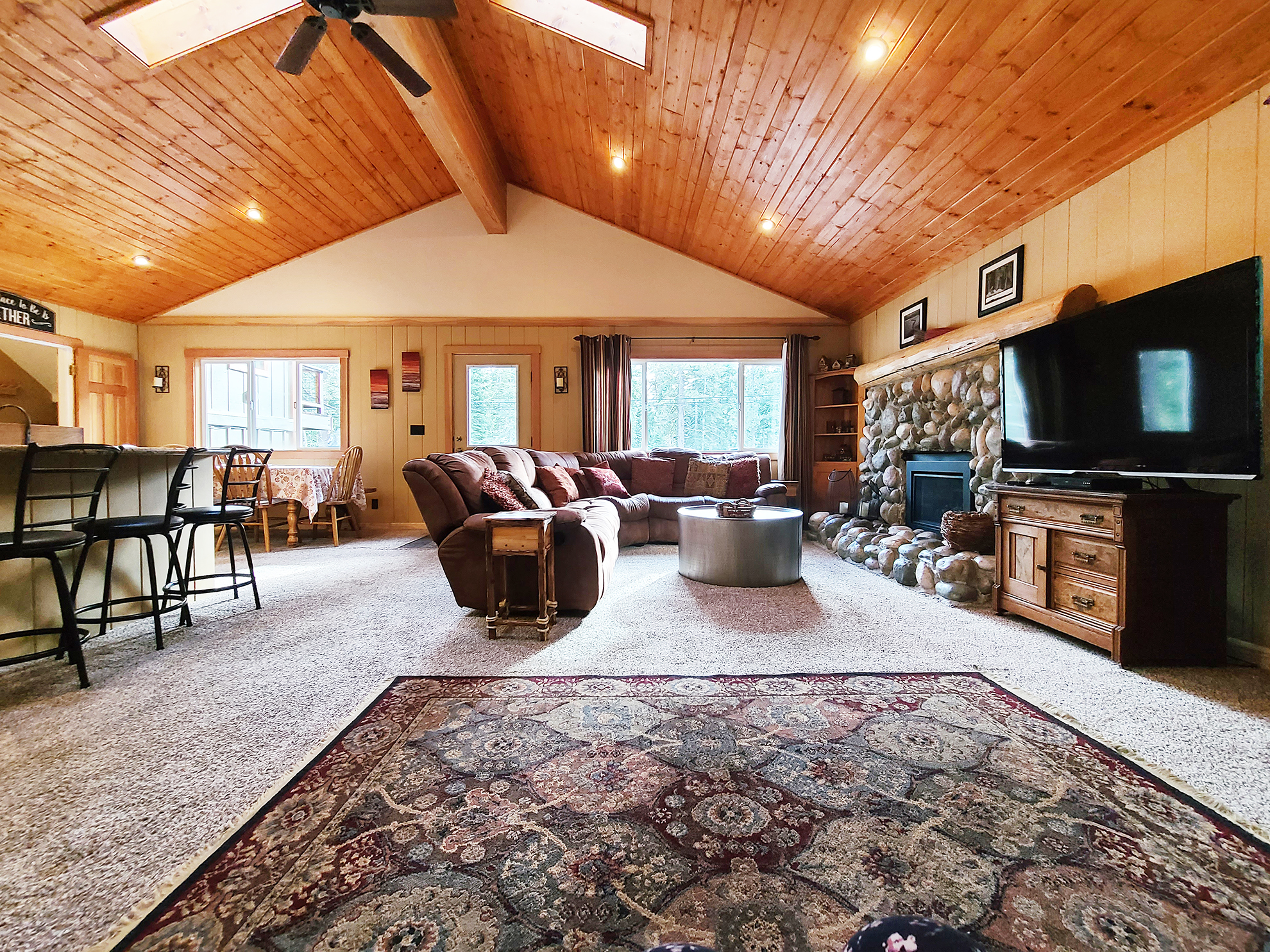 Listing Image 4 for Banovich Home
