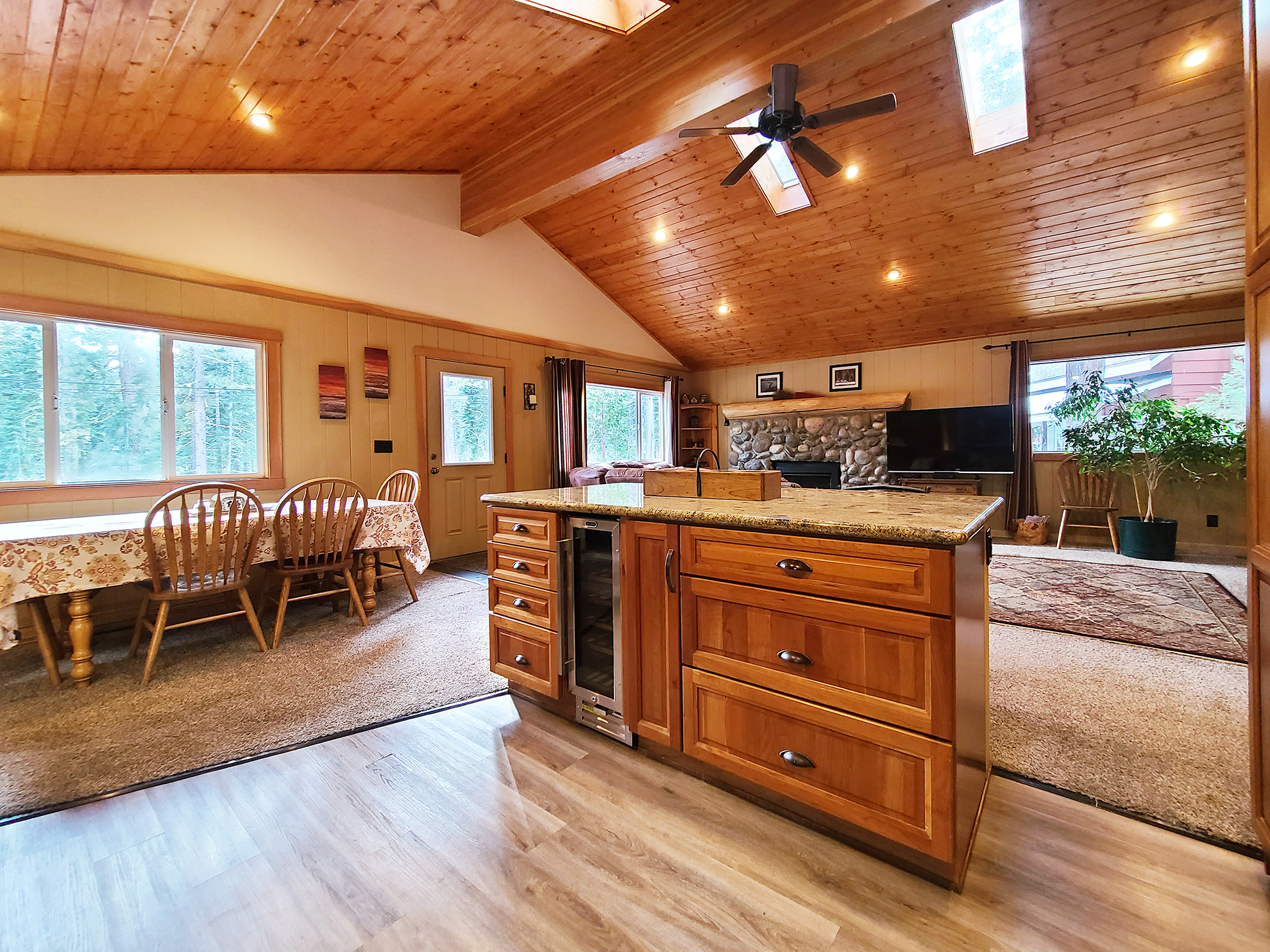 Listing Image 10 for Banovich Home