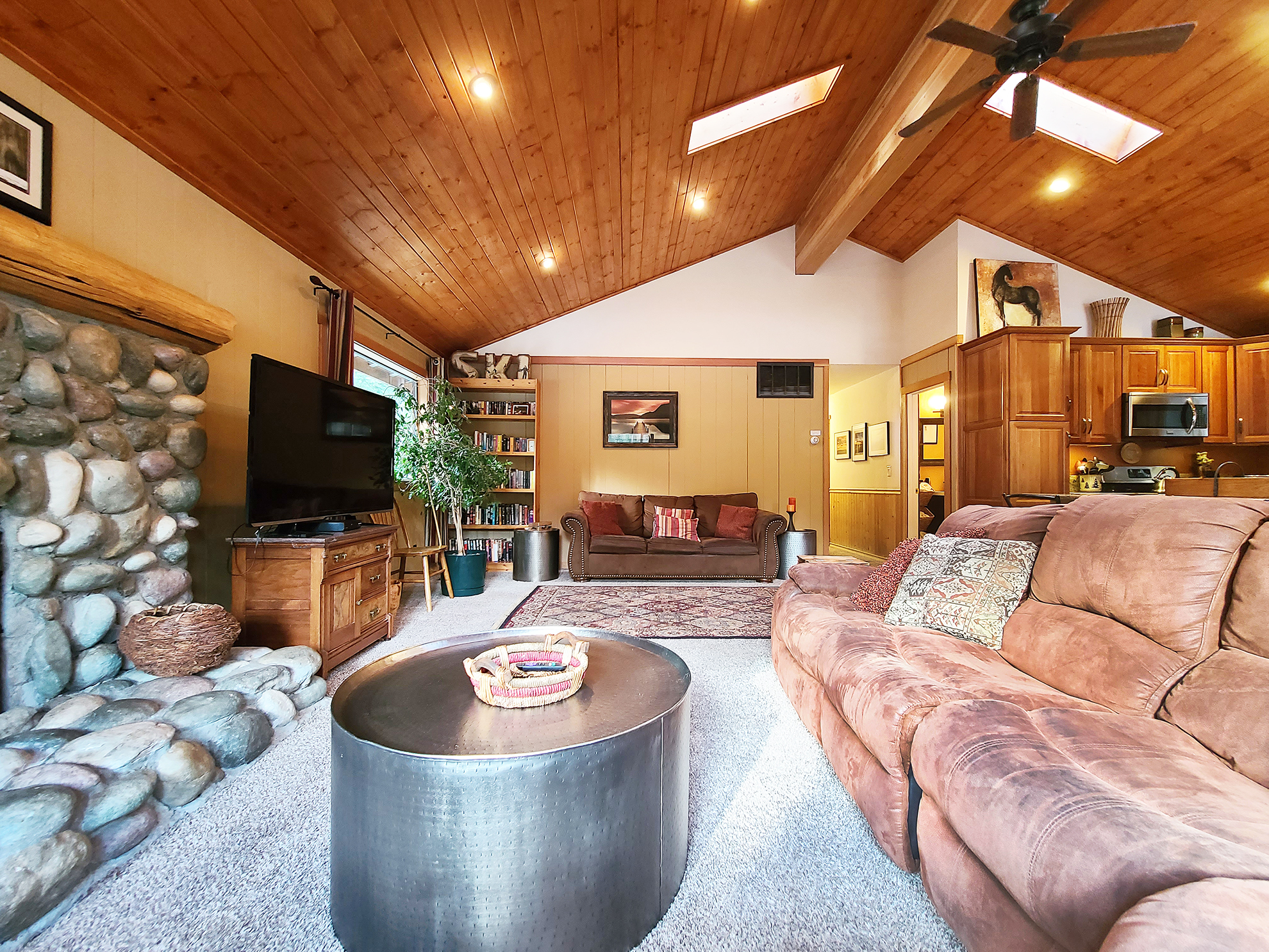 Listing Image 5 for Banovich Home