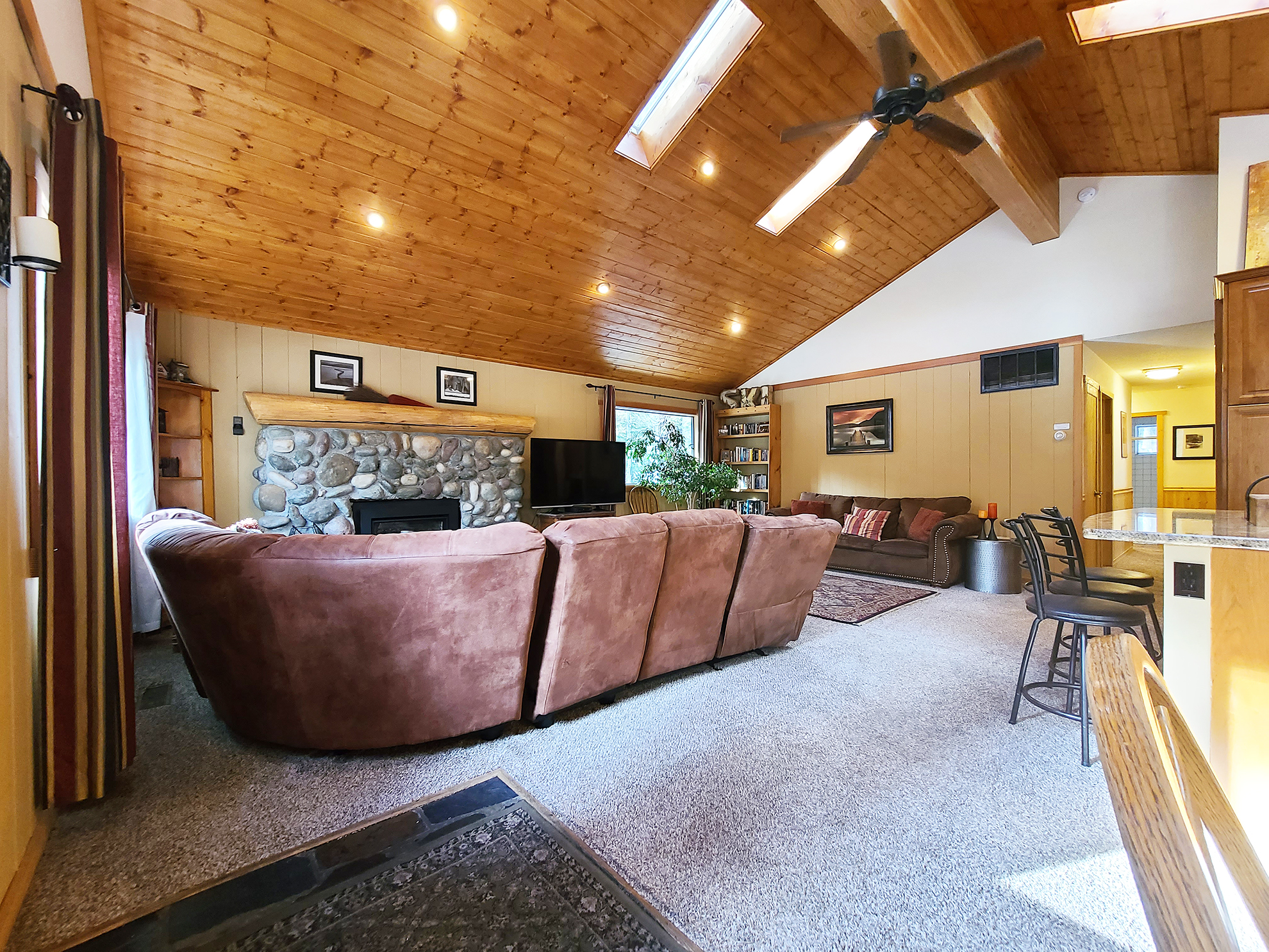 Listing Image 6 for Banovich Home