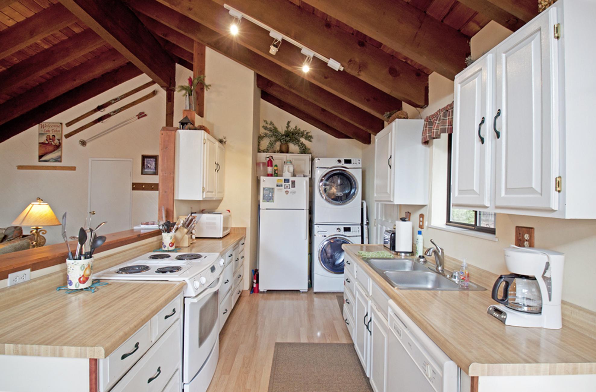 Listing Image 10 for Corbett Cabin