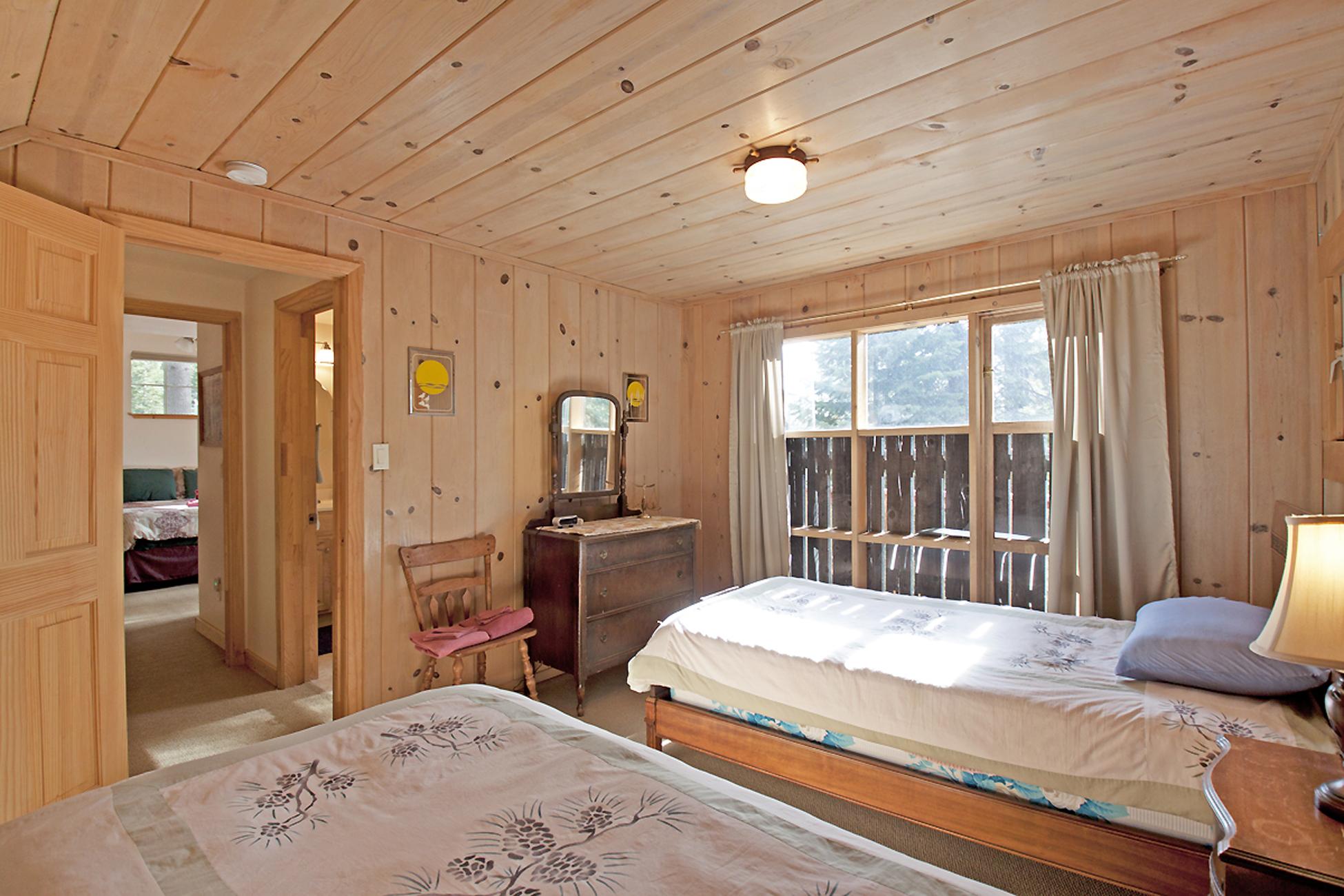 Listing Image 25 for Gelber Cabin