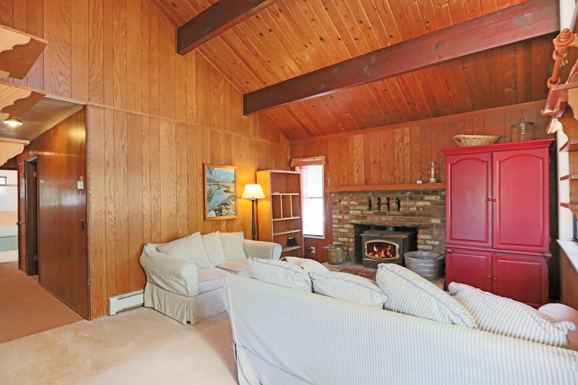 Listing Image 4 for Kerber House