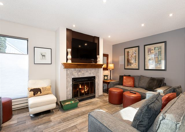 Living area with cozy Fireplace!
