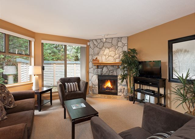 GlenEagles 17 - 4636 Blackcomb Way