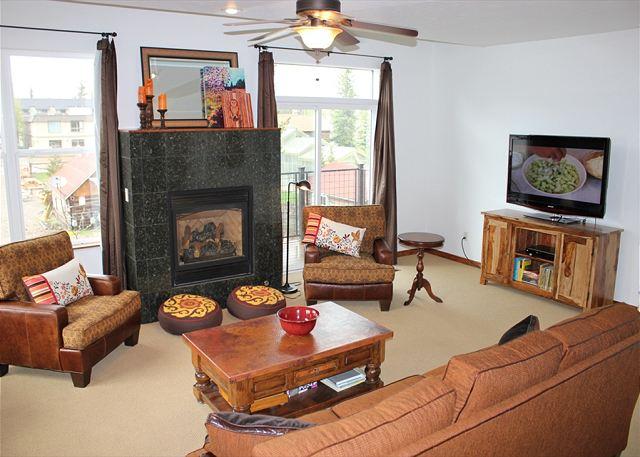 Frisco colorado lodging wildernest vacation rentals for Frisco colorado cabin rentals