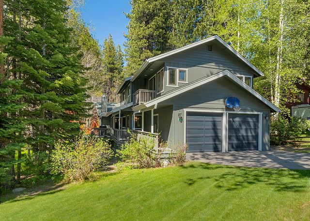 Tahoe Family Home, close to Heavenly and the lake (SL241)