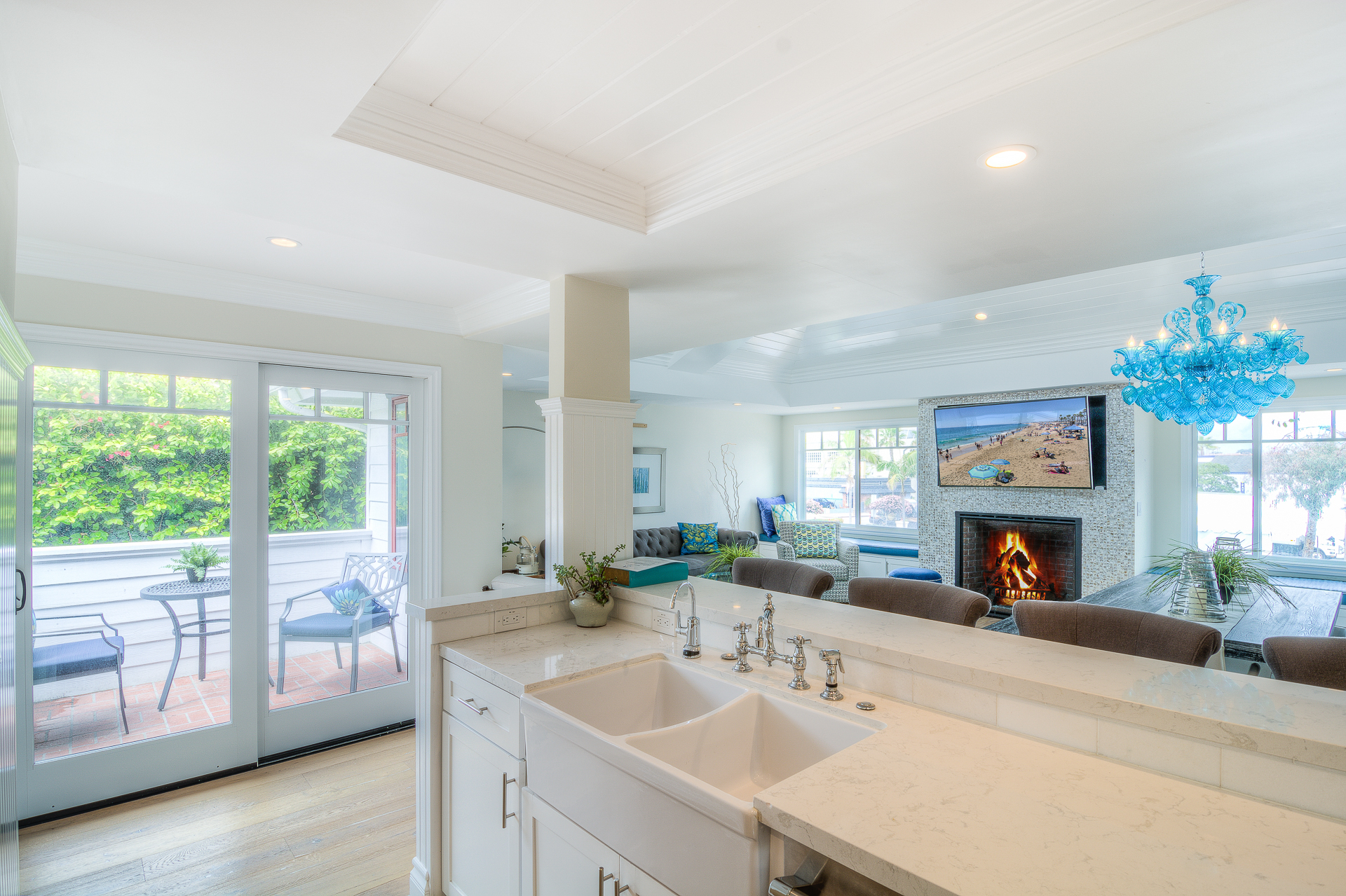 Lucent Pearl - White Sail Realty