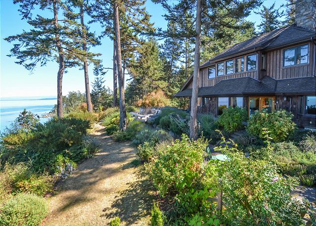 Welcome to Sunsets over the Salish Sea on the beautiful north shore of Orcas Island!