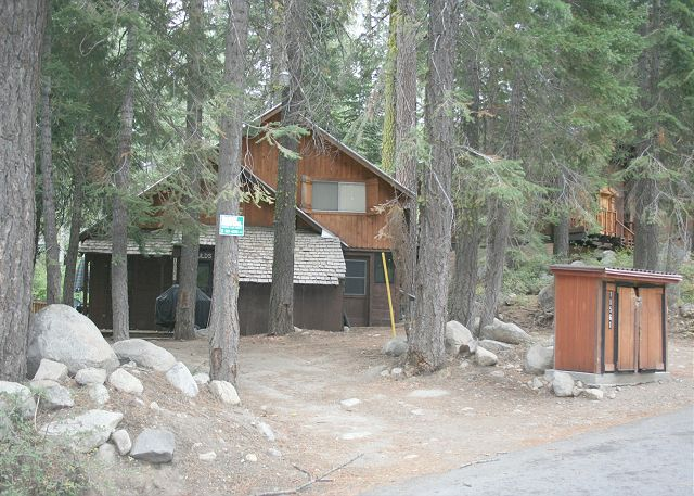 Near-Level access to the cute Donner Lake Cabin.  Parking for at least 4 cars during summer.