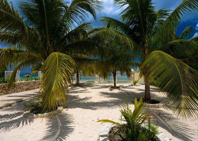 Uvas II Manmade beach